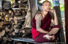 marco-crea-fotografo-photographer-cristiano-ostinelli-studio-matrimonio-wedding-reportage-fotogiornalismo-photojournalism-italy-lake-como-reportage-birmania-myanamar-monaci-monks (8)